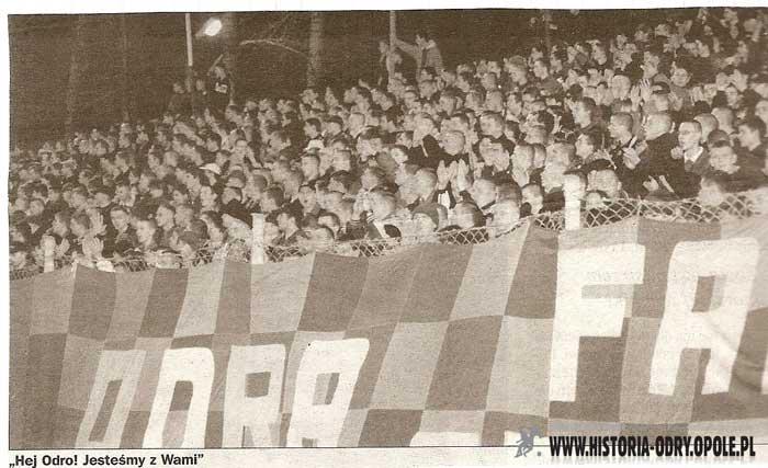 W sezonie 2000/01 trybuny stadionu przy Oleskiej pękały w szwach