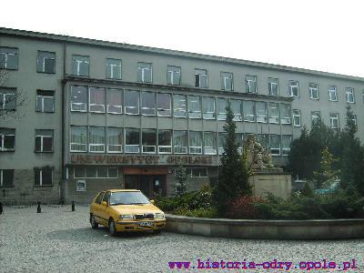 Budynek Główny Uniwersytetu Opolskiej ul. Oleska