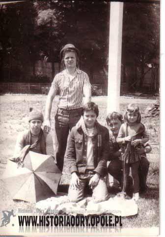 """Kibice """"Odry"""" odprawiają """"czary"""" (1977) - fot.2"""