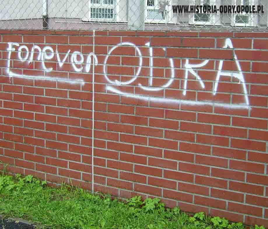 Napisy-graffiti (ul. Struga) - 2