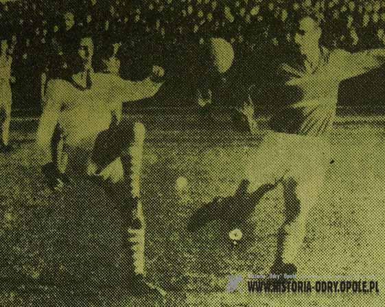Engelbert Jarek vs. Stanisław Oślizło (Odra - Górnik 4:1, Sezon 1960)