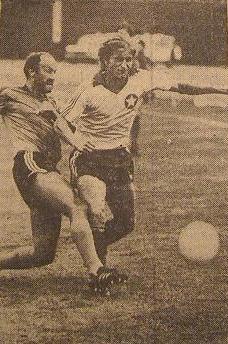 Franciszek Rokitnicki w walce o piłkę