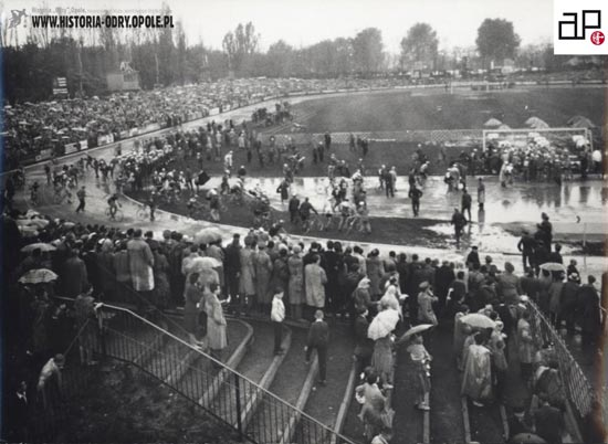 Wyścig Pokoju na stadionie Odry Opole