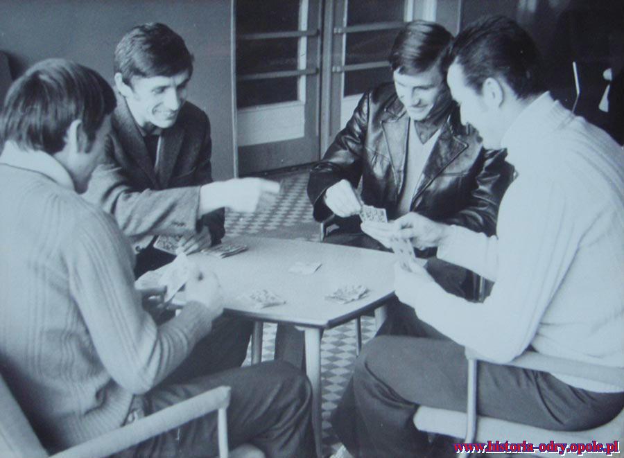 Wielka pasja Jarka - gra w karty