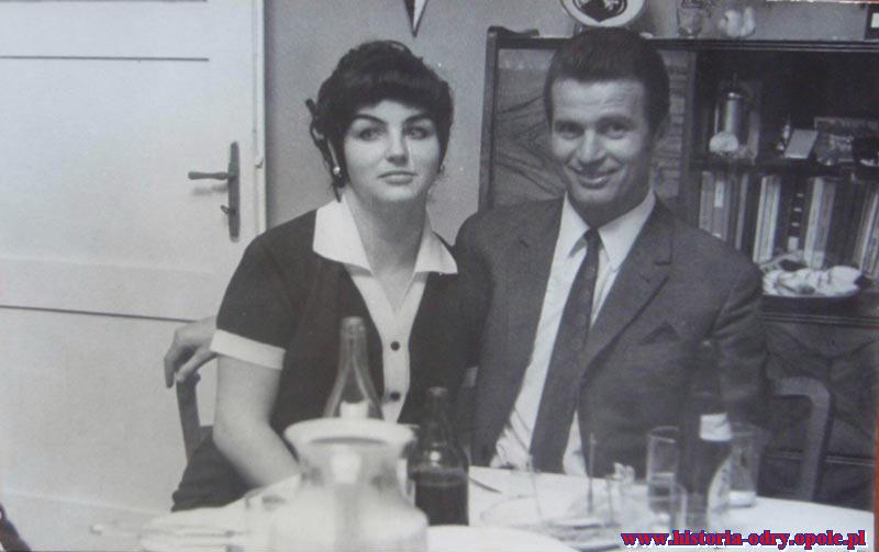 W budynku klubowym Odry z żoną