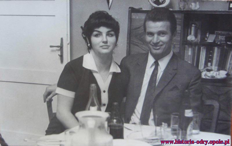 Z żoną Helgą w budynku klubowym Odry
